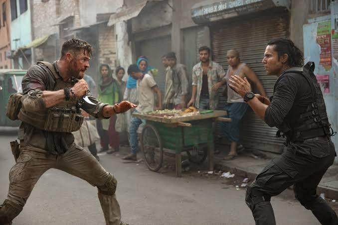 Chris Hemsworth's Tyler Vs Randeep Hooda's Saju (Netflix action movie, Extraction)