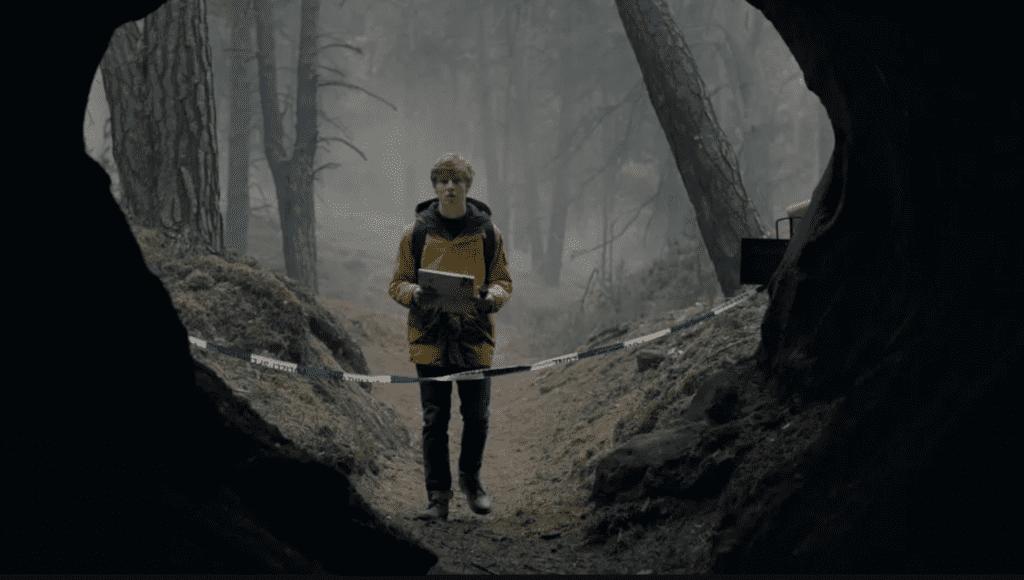 Jonas Finds The passage (Dark Tv series timeline)
